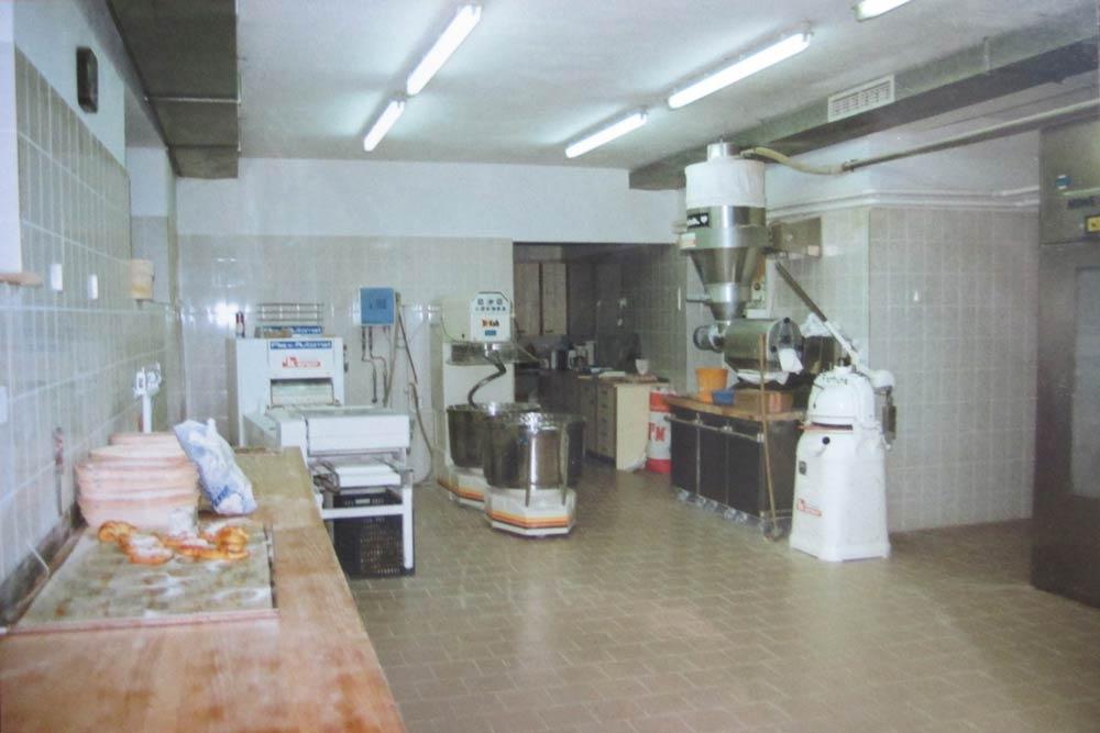 Bäckerei Hütter Geschichte 1990 Backstube-Umbau