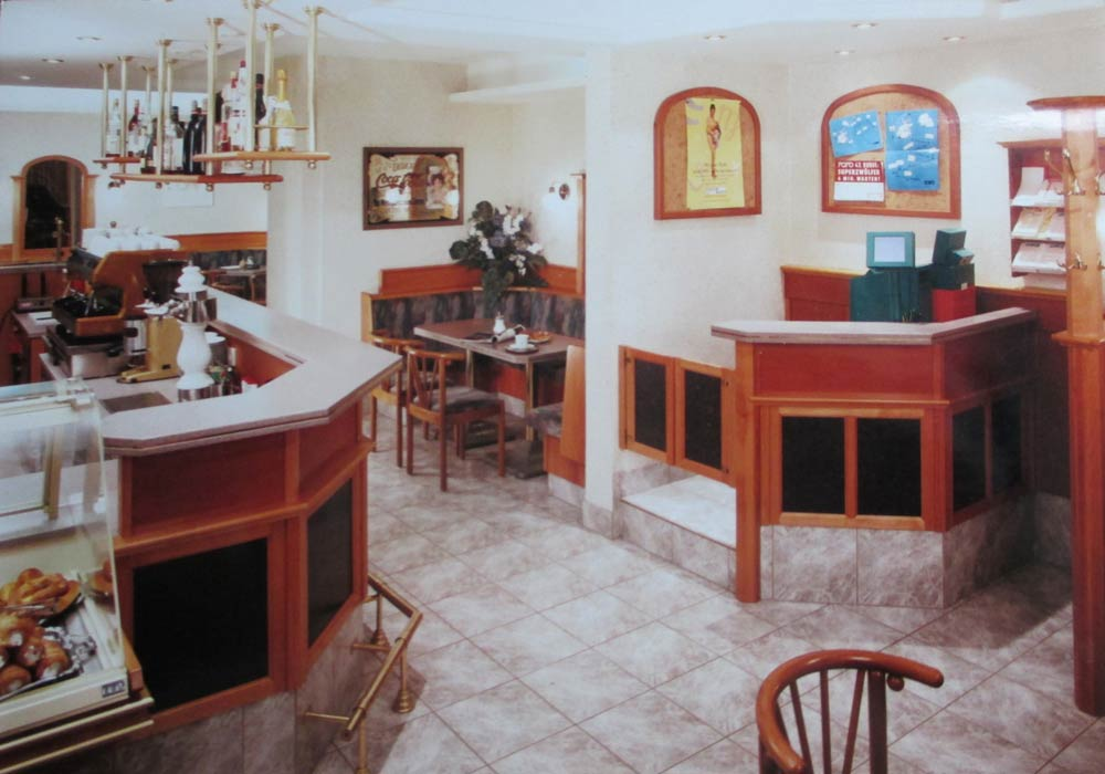 Bäckerei Hütter Geschichte 1993 Neus Cafe